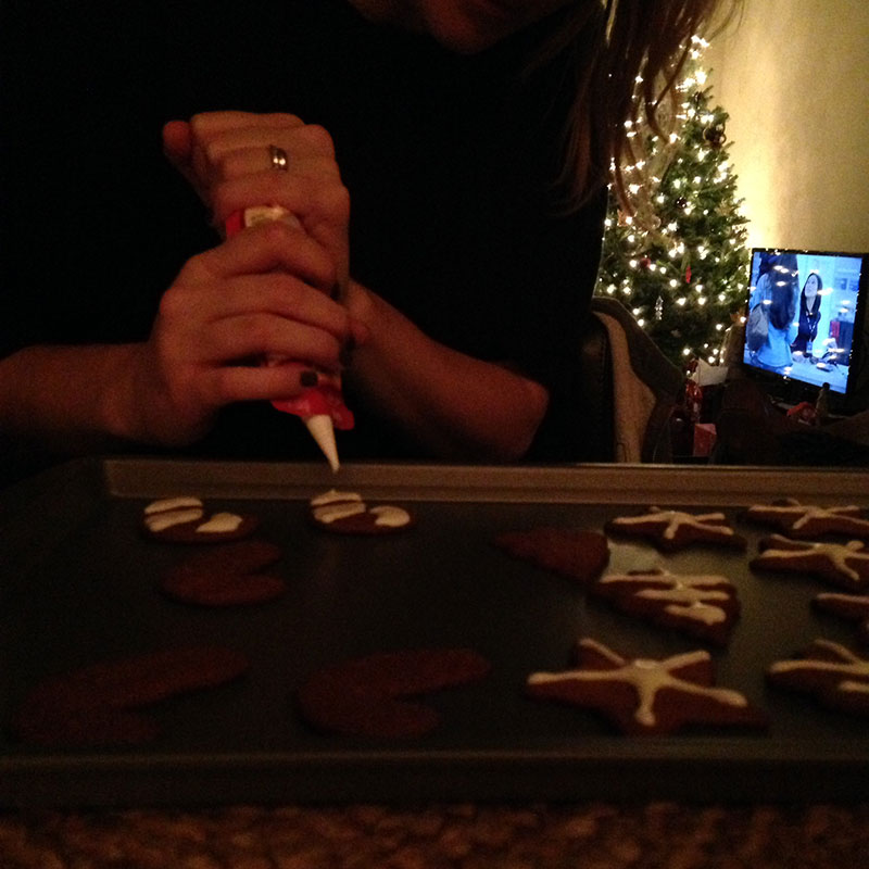 decorating_cookies